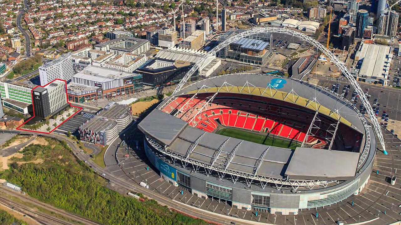 самые большие стадионы великобритании собственному признанию