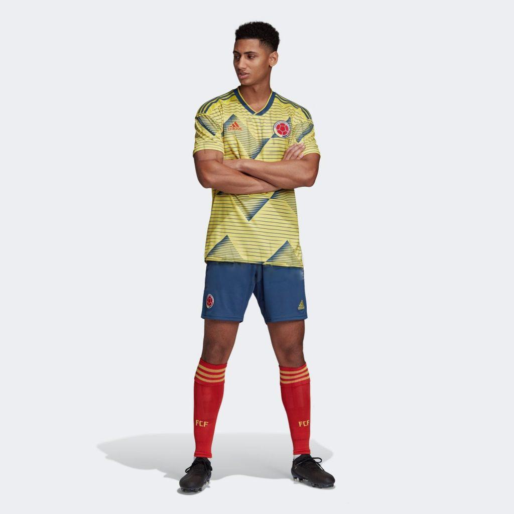 Форма Колумбийской сборной по футболу 2019