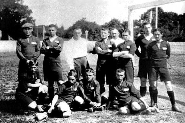 История футбола в России